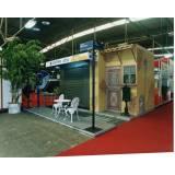 montagem de expositor para shopping Cidade Tiradentes